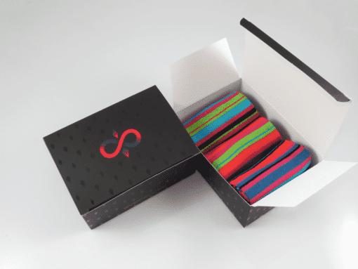 кутия чорапи с райета за мъже