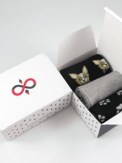 чорапи с кученца в кутия сиво и черно